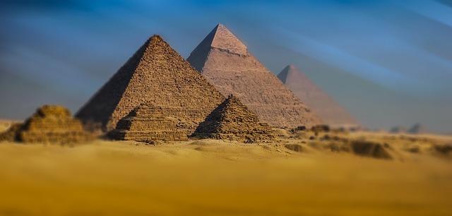 エジプトのおすすめ観光スポット7選!人気の名所や楽しい見どころをご紹介!