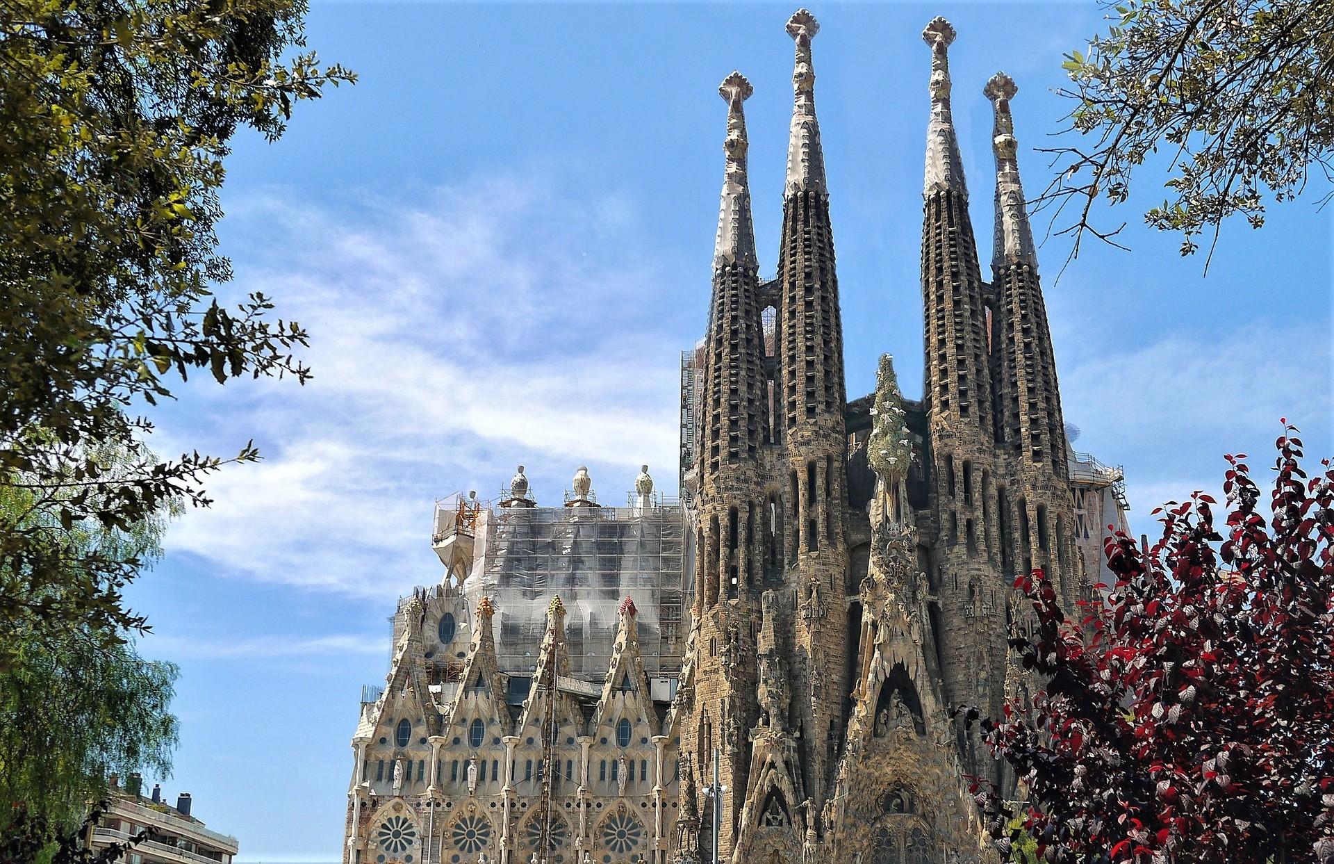 スペイン観光で行きたい絶景スポット30選!建物や風景などの名所をご紹介!