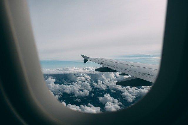 飛行機の学割が結構お得!学生や若者限定で使える運賃の割引をご紹介!