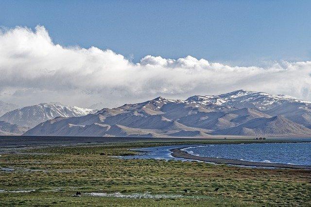 パミール高原ってどこにある?絶景が見られる秘境をご紹介!