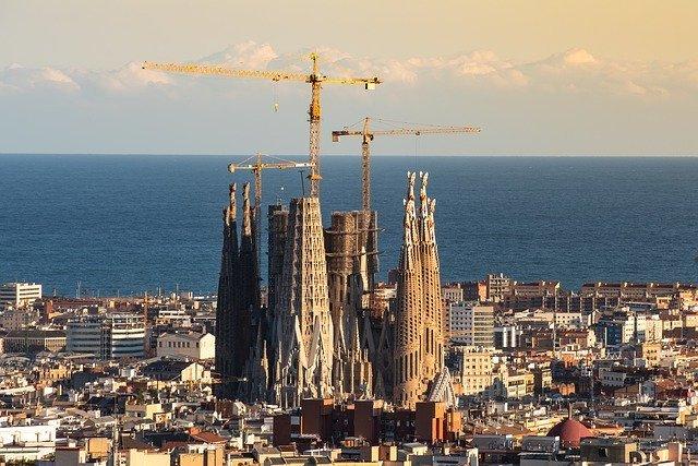 バルセロナ空港から市内へのアクセス方法は?おすすめの方法をご紹介!