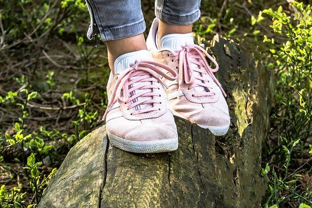 旅行に行く女子におすすめの靴ってどんなの?疲れにくい靴の選び方をご紹介!