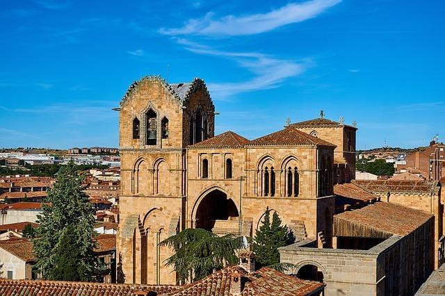 アビラのおすすめ観光スポット10選!歴史ある城壁都市をご紹介!