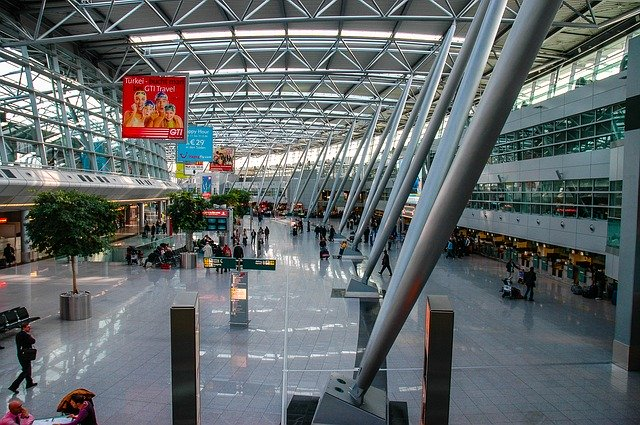 デュッセルドルフ空港の施設をご紹介!免税店やお土産はどこで買える?