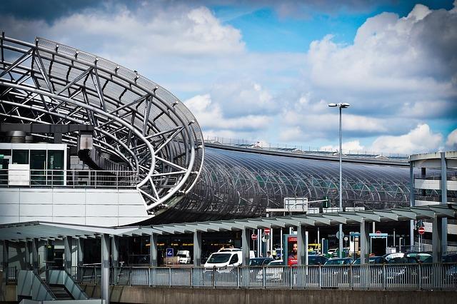 デュッセルドルフ空港の手続きの流れを解説!アクセスから搭乗まで!