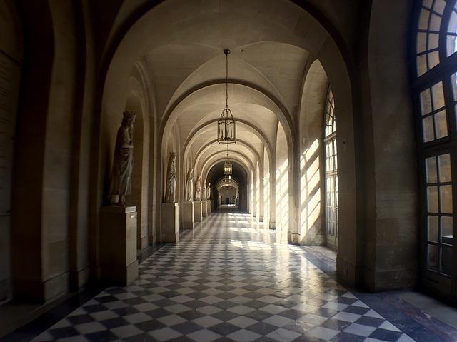 ヴェルサイユ宮殿の見どころは?魅力がぎっしりの人気スポットを解説!