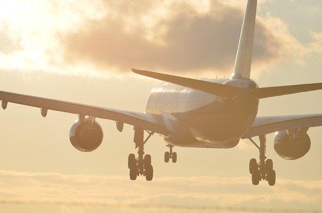 JALの国内線ファーストクラスってどう?受けられるサービスをご紹介!
