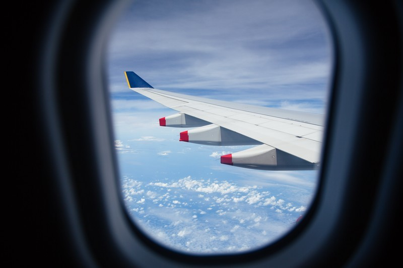 国内線ファーストクラスを比較してご紹介!JALとANAのサービスの違いは?