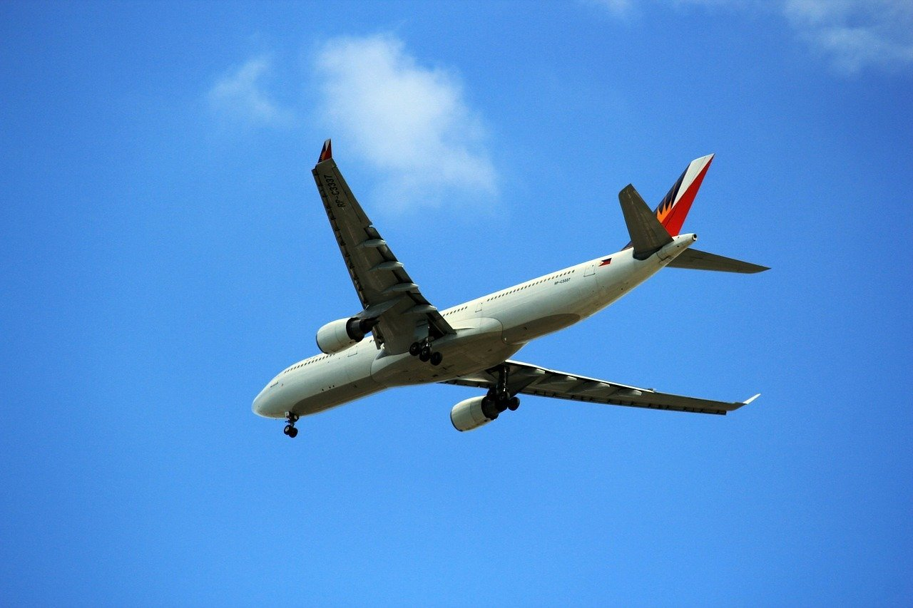 エアバスA220ってどんな飛行機?現在運行されている路線や会社もご紹介!
