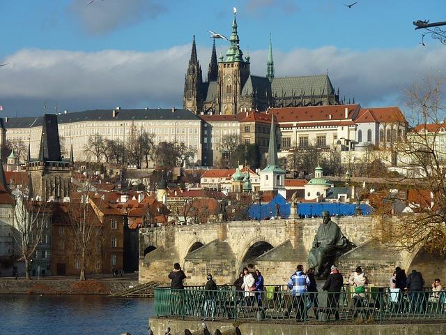 プラハ城の見どころは?チケットの買い方や料金など観光情報をご紹介!