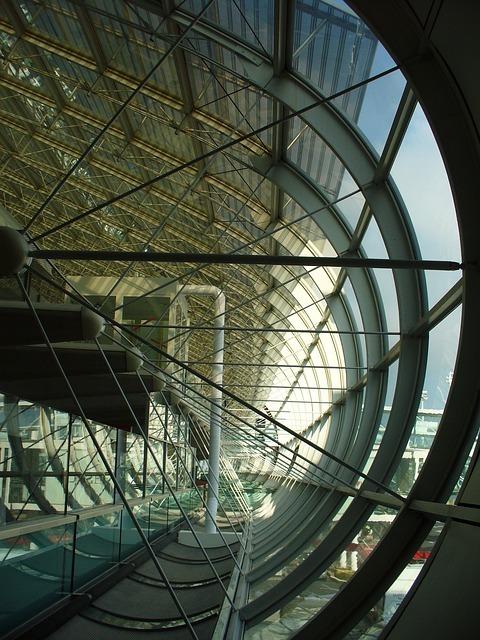 シャルル・ド・ゴール空港からパリ市内中心部へのアクセス方法を解説!
