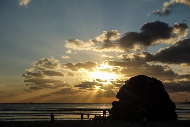 稲佐の浜ってどんな場所?出雲にある神様が上陸する場所の情報をご紹介!