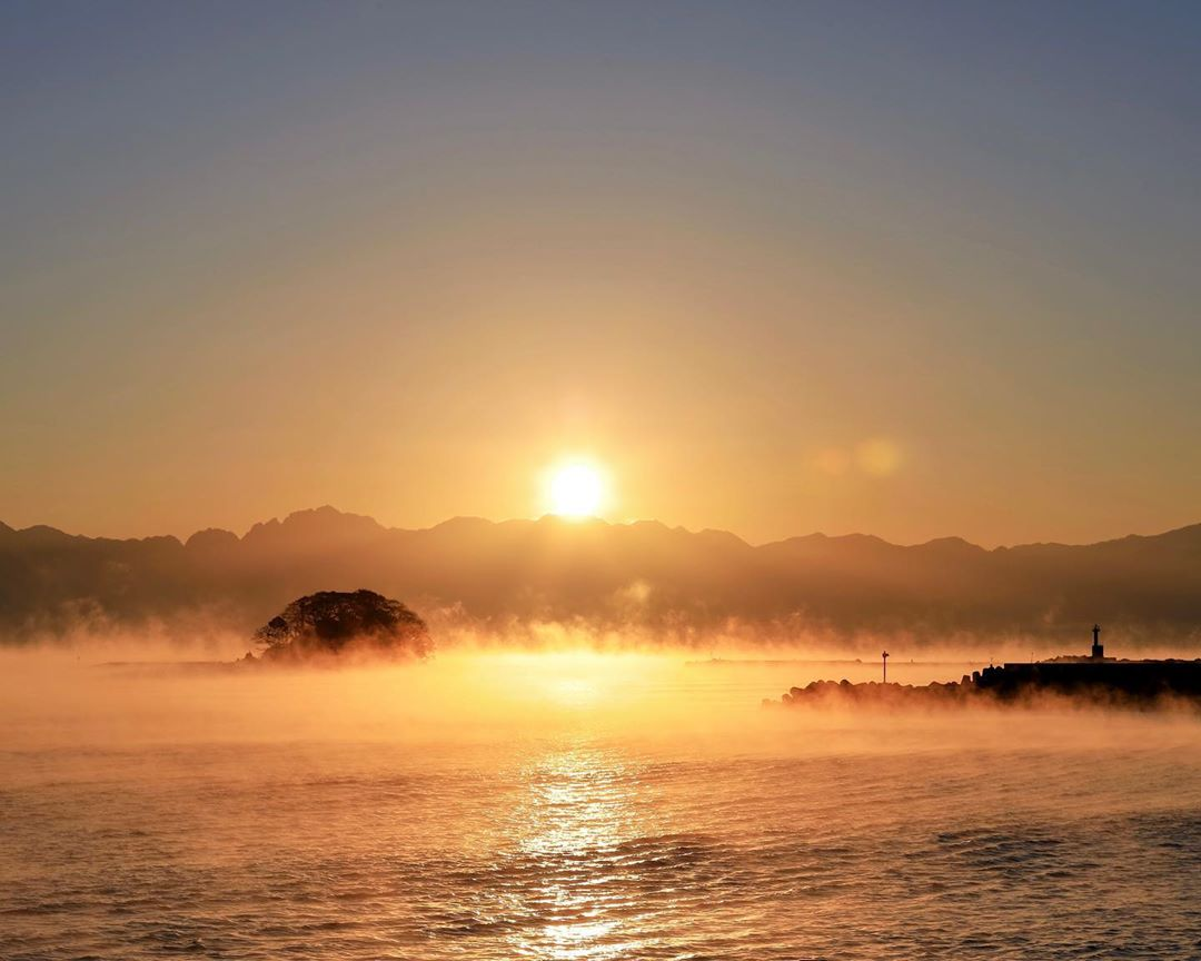 幻想的な現象「けあらし」海で見ることができる珍しい現象をご紹介!