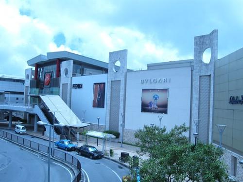 DFSギャラリア沖縄は国内なのに免税!消費税0円でおトクにブランド品を買っちゃおう!