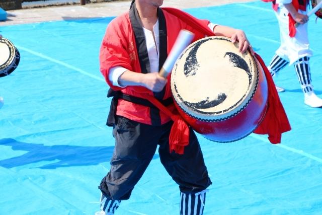 沖縄の伝統的な踊り「エイサー」や「カチューシー」をご紹介!
