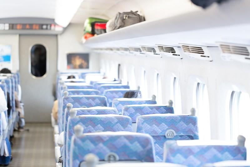 新幹線で退屈しない暇つぶしは?移動時間で楽しめる8つの方法をご紹介!