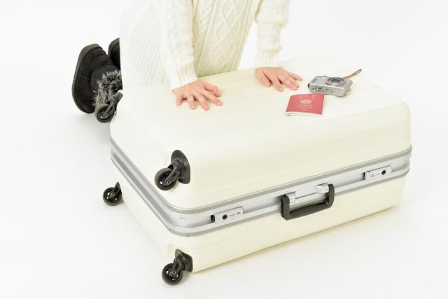 旅行での荷物を減らす・少なく・軽くする最強パッキング術12選!驚きの方法も!