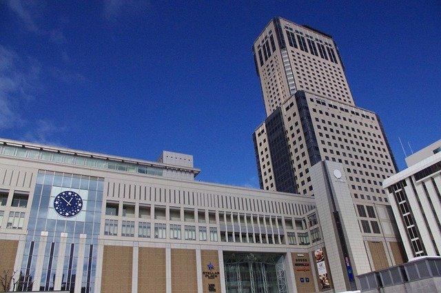 札幌駅から新千歳空港へは電車とバスどっちがおすすめ?料金や快適さなどを比較!