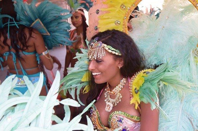 リオのカーニバルの見どころは?踊りの参加方法や治安など注意情報も解説!