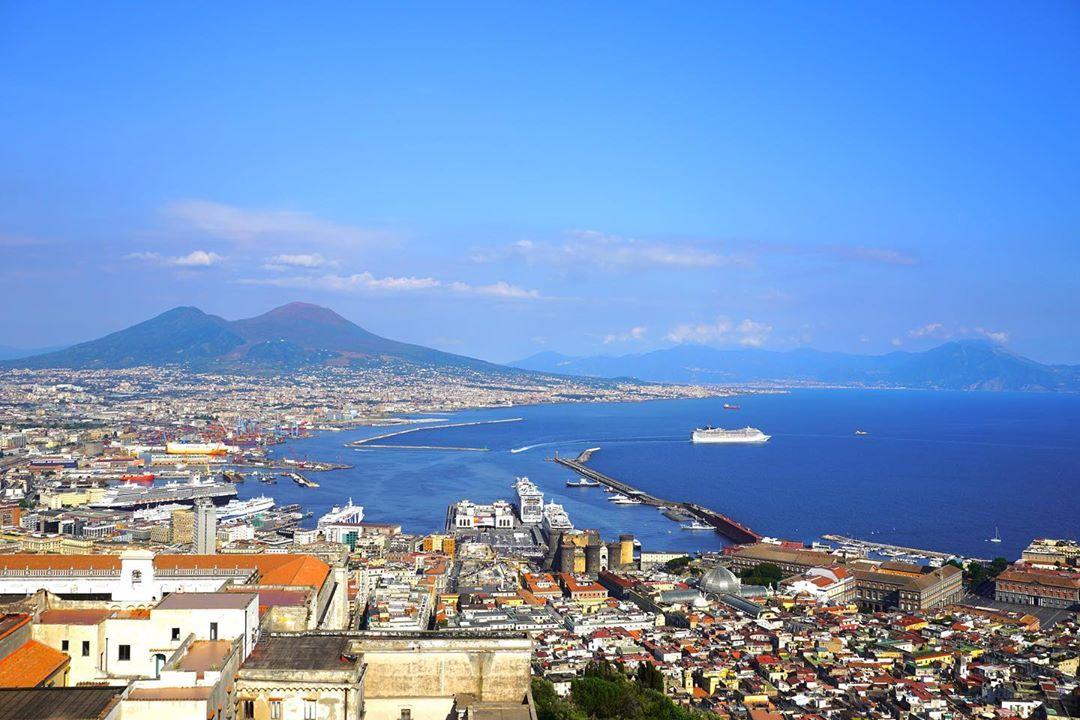 ナポリ周辺のおすすめ観光スポット17選!人気観光地の見どころをご紹介!