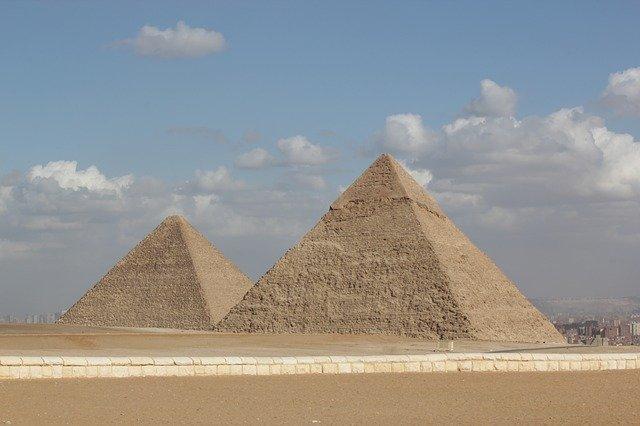 エジプト旅行は治安に注意が必要?観光地などでの注意点を解説!