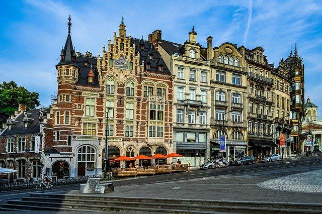 ベルギーの公用語は?観光で使える便利な表現もご紹介!