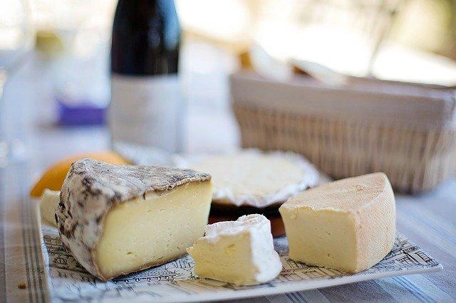 虫入りチーズ「カースマルツゥ」がヤバい!衝撃の特徴を持つチーズを解説!