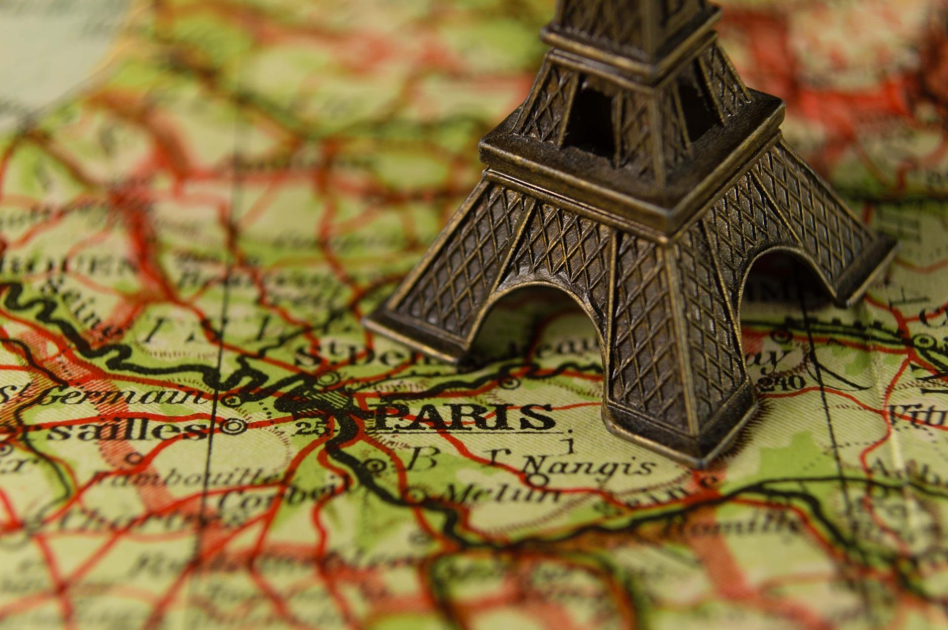 フランス語検定はどの程度実用的?履歴書に書ける?