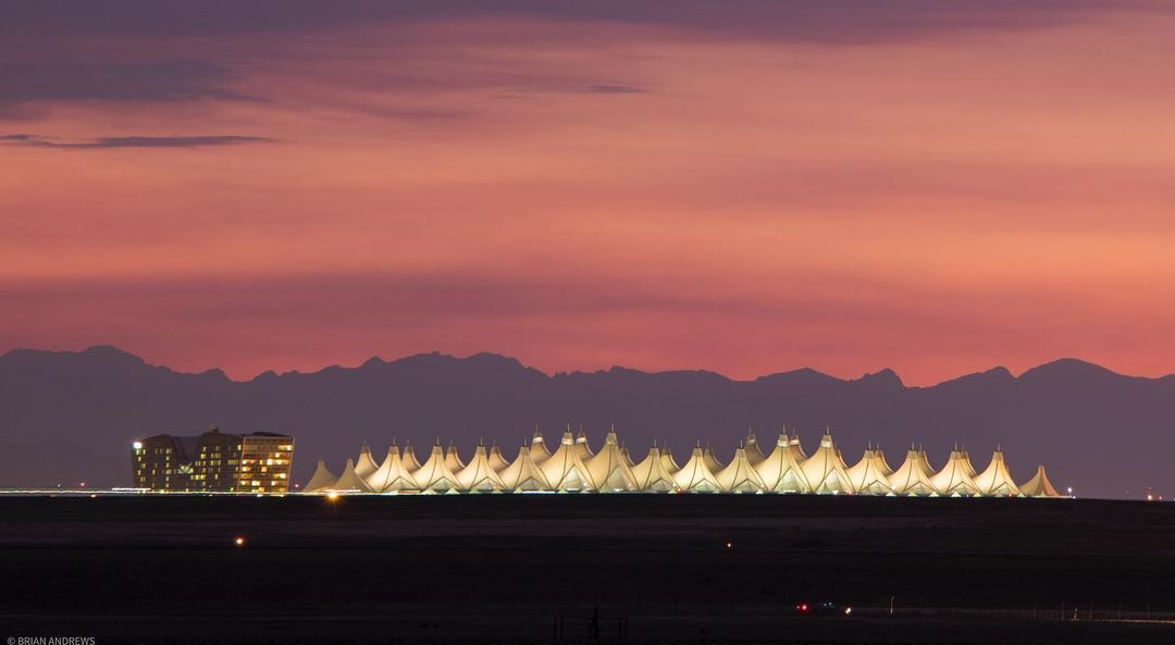 デンバー空港ってどんな空港?不思議な噂のある超巨大空港を解説!