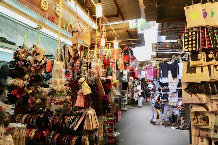 女人街ってどんなところ?屋台が立ち並ぶショッピングにピッタリの街を解説!