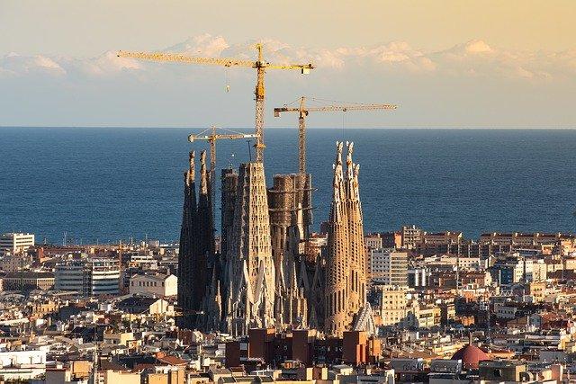 スペインの面積は日本の何倍?人口は?国土の大きさや違いを比較!
