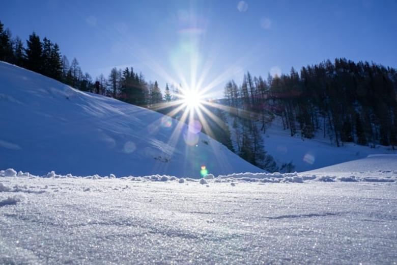 パウダースノーが楽しめるスキー場おすすめ13選!パウダースノーの利点は?