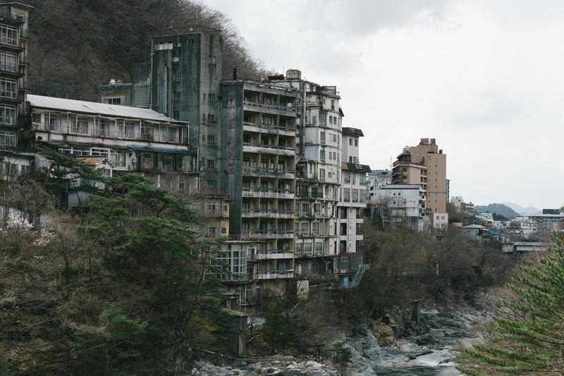 鬼怒川温泉の廃墟はアクセス抜群なのにヤバい!なぜ廃墟が残されてしまった?