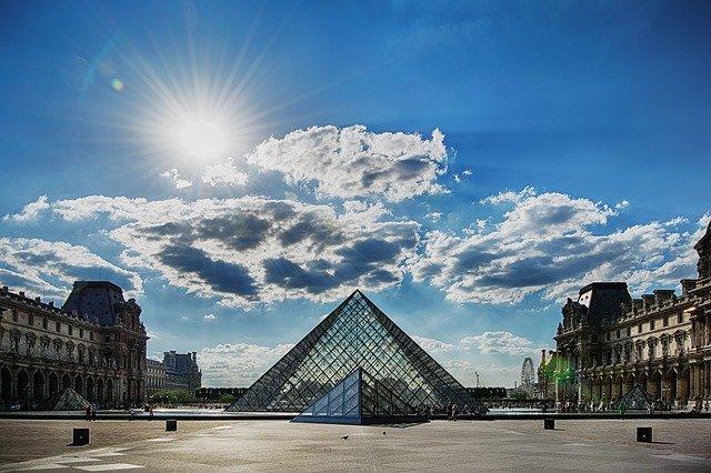 世界三大美術館ってどこ?実は厳密な定義はなくて諸説ある?