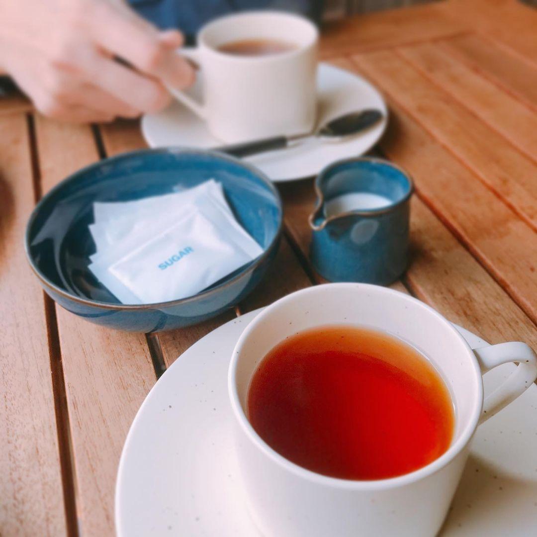イングリッシュブレックファーストの定義とは?イギリスで朝飲まれる紅茶の銘柄を解説!