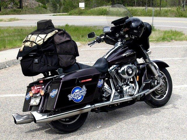 ツーリングにピッタリのおすすめ防水バッグ15選!バイクに合わせて選ぼう!