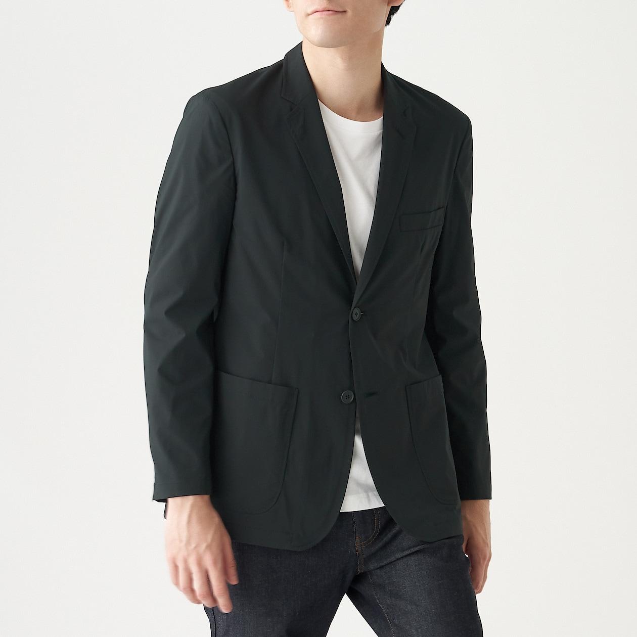 トラベルジャケットって何?いろんな場面で活躍する便利なジャケットをご紹介!