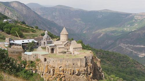 アルメニアの観光名所や治安情報を紹介!必要なビザや使われている言語 ...