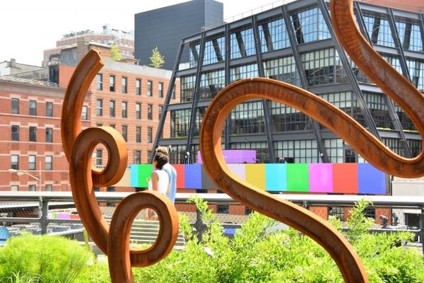 ハイラインはニューヨークのおしゃれパーク 散歩でアート観賞など見所