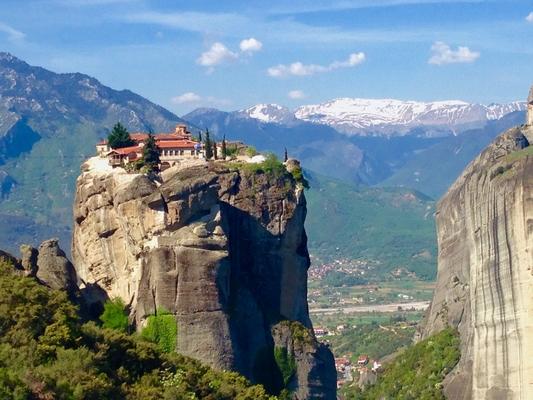 メテオラ修道院はギリシャの世界...