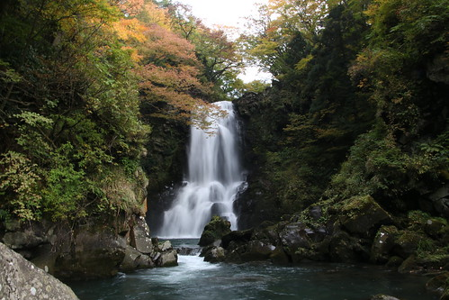 滝 伏流 水 元 Mototakifukuryusui
