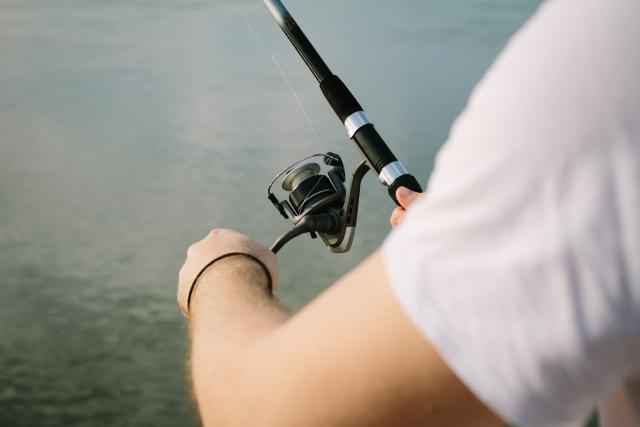 グラスロッドの特徴は?特徴や使い方、人気の釣れる名作ロッドをご紹介!