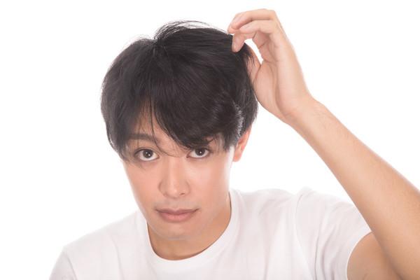 坂口健太郎の髪型一覧!カットやオーダー方法は?セットの仕方も