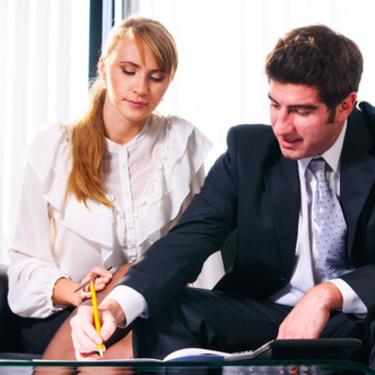 社内恋愛はアプローチで成功させる!職場でアプローチする方法9選!