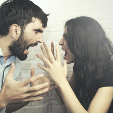 「彼女が怖い」と彼氏に思われる女性の特徴7選!【必見】