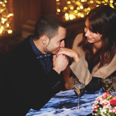 本気の恋でのみ男性が見せる態度や行動21選