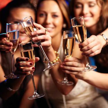 絡み酒の対処法5つ!絡み酒をする心理や原因とは?