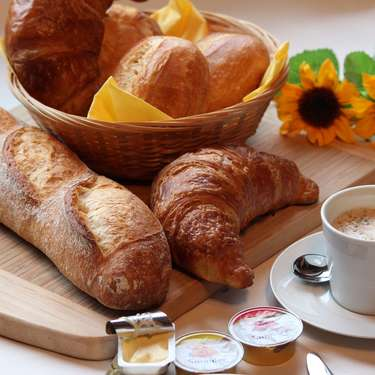 【夢占い】パンが出る夢の意味9選!買う夢・食べる夢など!