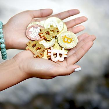 金運線・財運線の意味とは?宝くじが当たる人の手相はこれ!
