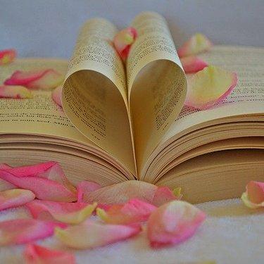 【おっぱい占い】バストの形で恋愛運・結婚運がわかる!
